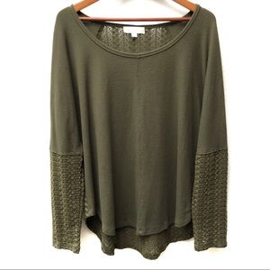 Weekend by Suzanne Betro lace back tunic top